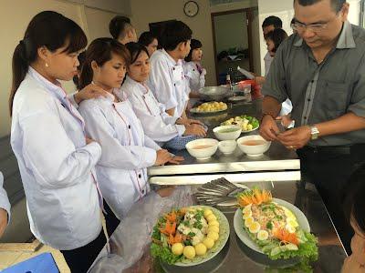 * Học nấu ăn ở Hà Nội, chứng chỉ nấu ăn học nhanh, có việc ngay sau khi tốt nghiệp